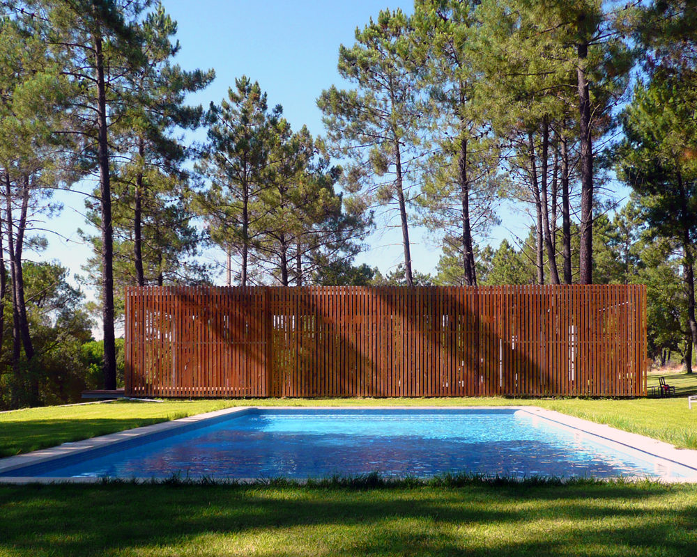 SANTO ESTEVÃO POOL HOUSE
